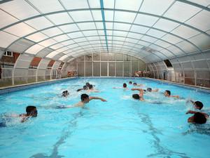 Pool splash 2000 x 1500